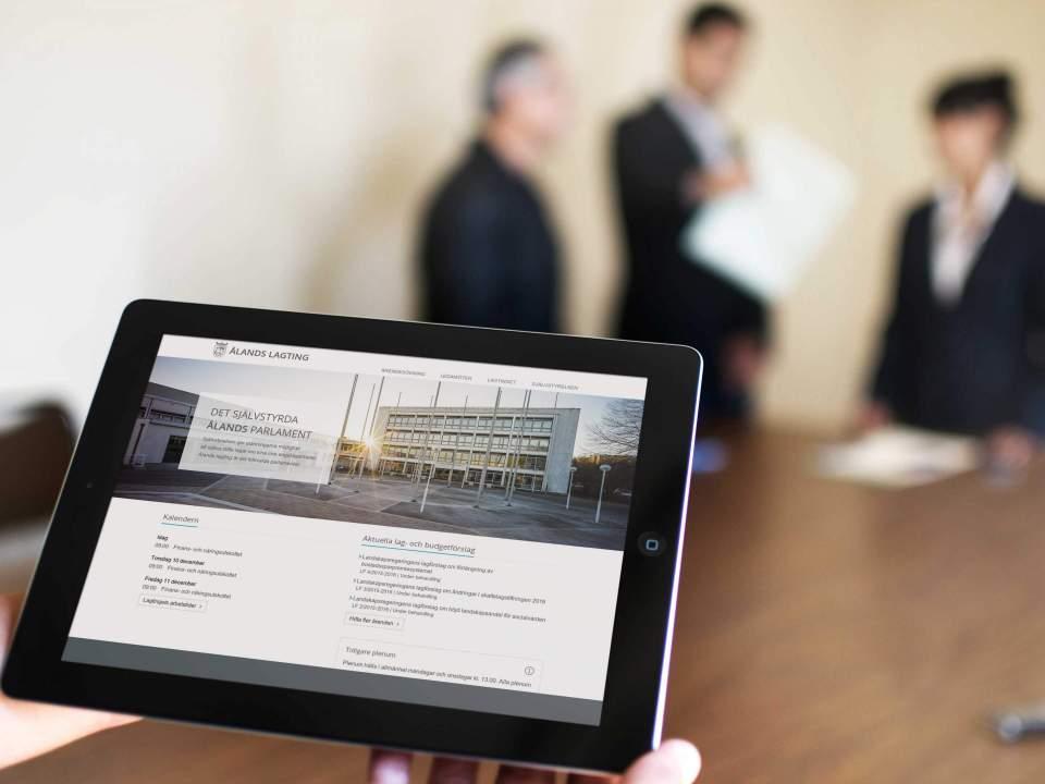 Lagtingets webbplats i en iPad
