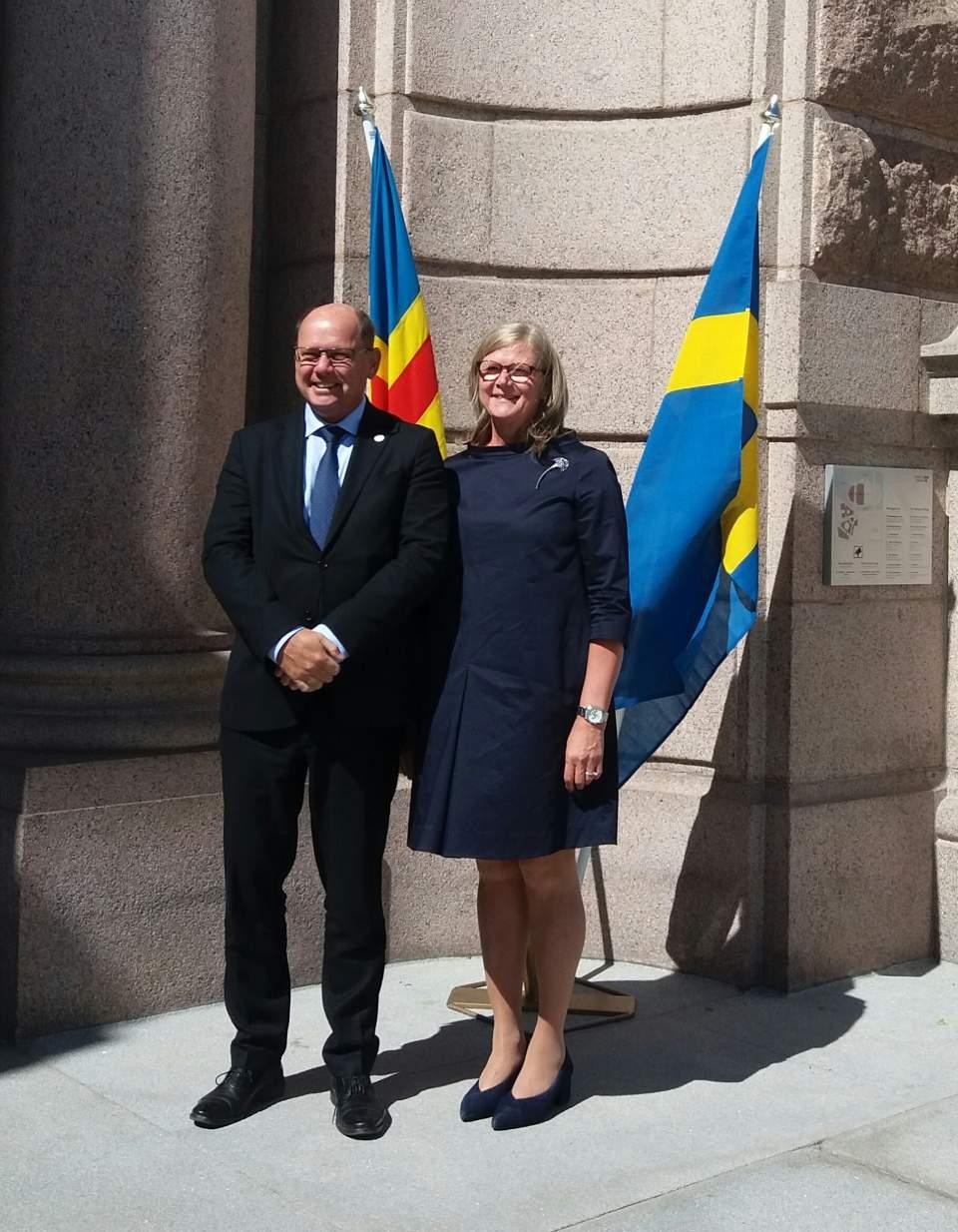 Talman Gun-Mari Lindholm och talman Urban Ahlin