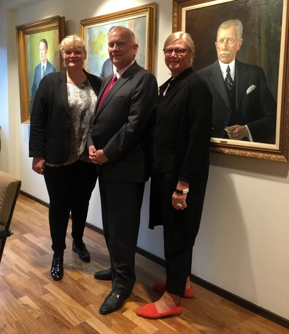 Lantråd Katrin Sjögren Usa:s ambassadör Robert Pence och talman Gun-Mari Lindholm