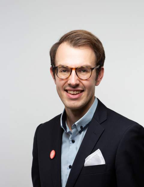 Simon Holmström