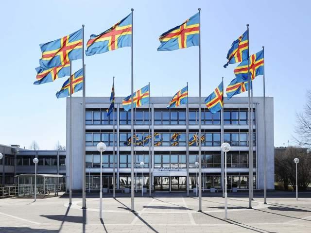 Ålaandsflaggor