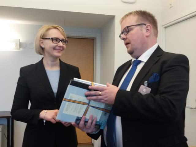 Finlands riksdags talman Maria Lohela och talman Johan Ehn